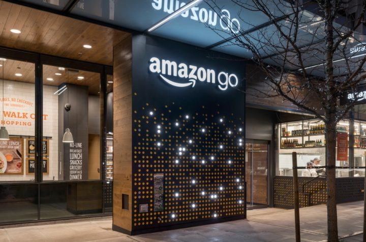 How to Combine IoT in Retail and eCommerce: Smart Store Working Online and Offline